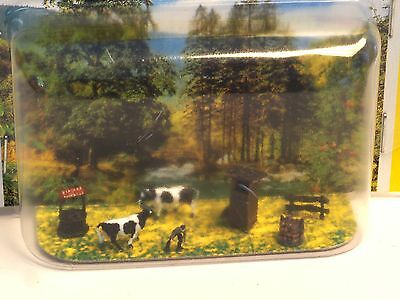 Z-scale Noch 43780 Old Era Alpine Pasture Man, cows, lumber, well, outhouse