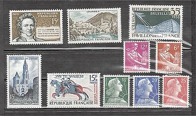 France lot 10 timbres neufs N°1011A,B,C, 1115,1116, 1139, 1150, 1156, 1165, 1172