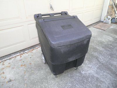 Continental 9725 Con-Serv 125lbs. Mobile Ice Bin on Wheels Restaurant Bar Party