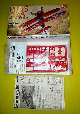Vintage LS Model PITTS S2A Canadian Reds Bi-Plane 1:72 greatCondition