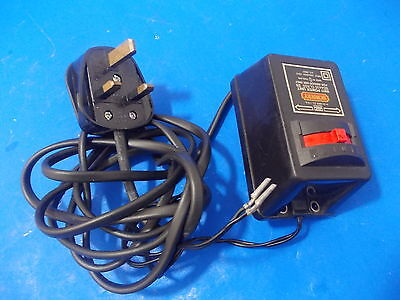 Hornby Train R911 AC DC 14.3V Mains Power Supply Unit controller 220-240v 1.1 am