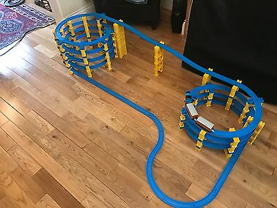 Trackmaster Tomy Tomica Huge Super spiral set 185 pieces + Thomas the tank train