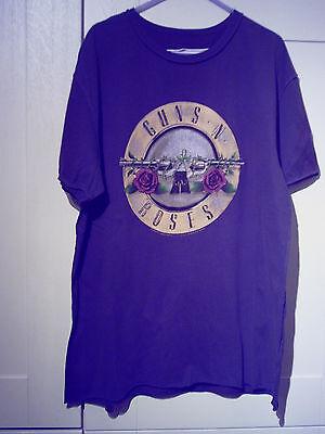 "Guns N' Roses - 2010 ""amplified"" Vintage ""pistols & Roses"" D/grey T-Shirt (L)"