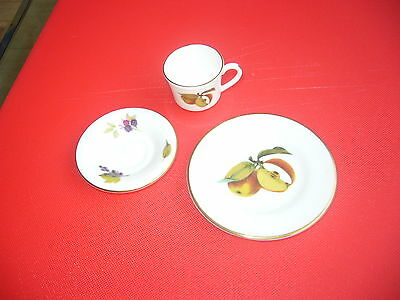 Royal Worcester Fine Bone China Arden Patterned Miniature Trio With Gold Trim