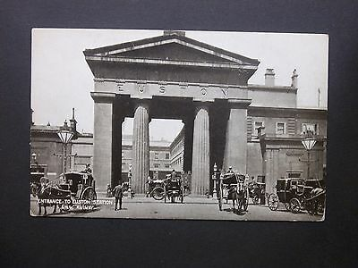 """London & North Western Railway Co """"Entrance to Euston Station"""" Postcard unposted"""