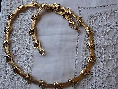 Pretty vintage 1950s Decorative GOLD Necklace signed COROCRAFT
