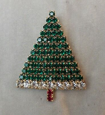 Christmas Tree Pin / Brooch - all sparkling green stones with rhinestone border