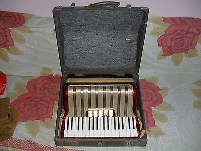 Hohner Akkordeon Concerto III Rot-Perl.mit Koffer.
