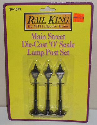 Mth Railking O-Scale 30-1079 Main Street Die-Cast Lamp Post Set Of 3 In Package