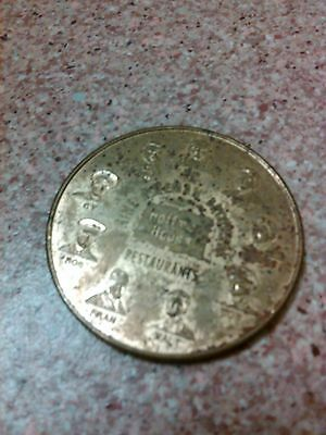 old vintage 1975 Hoffman house restaurant brothers $1 cocktail lounge coin medal