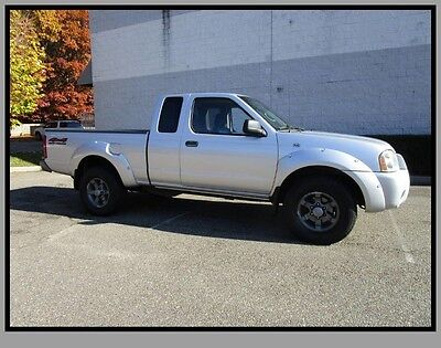 2004 Nissan Frontier  04 Nissan Frontier King Cab 4x4 Pick up Truck