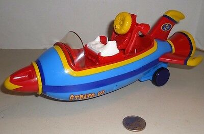 Mattel Jimmy Neutron with STRATO XL Rocket Roll it to make SPARKS