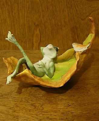 Top Collection Enchanted Story Fairy Garden #4007 FROG & BIRD in LEAF CHATTING