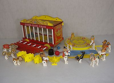900 Big Performing Circus Wagon Animals Wooden Fisher Price VTG 62 Near Complete