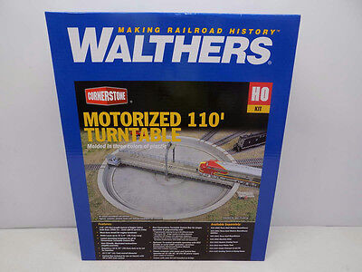 Walthers HO Motorized 110' Turntable, 933-2851