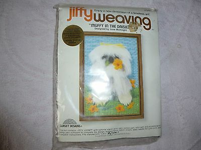 Jiffy Weaving 'Muffy in the Daisies' (1970s)