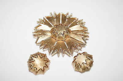 VINTAGE Brushed Gold Pin and Clip On Earring Set Rare Find Chic Bin 1314