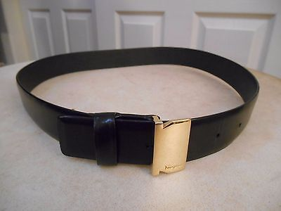 Salvatore Ferragamo Italy Gold Buckle Black Leather Womens Belt 75