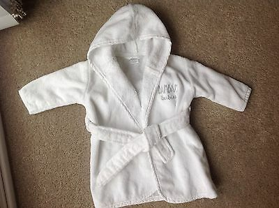 BABIES WHITE TOWELLING BAMBAM BATH ROBE. SIZE 0-3 MONTHS. (eur 50/56)