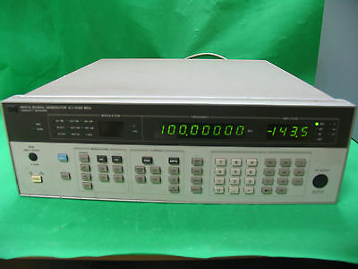 HP AGILENT KEYSIGHT 8657A Synthesized Signal Generator 100kHz-1040MHz