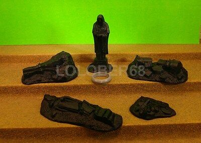 SET OF RUINS - Lord Of The Rings Plastic Figure(s)