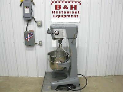 Hobart 30 Qt Heavy Duty Bakery Dough Mixer D-300 w/ Stainless Steel Bowl, Paddle