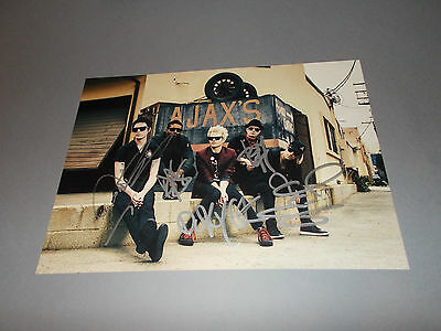 Sum 41  signed signiert autograph Autogramm auf 20x28 Foto in person