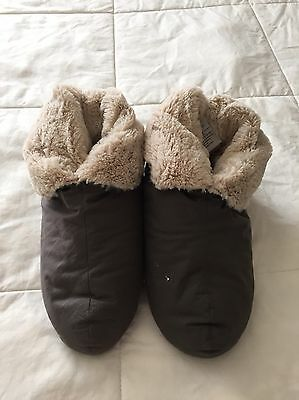 RESTORATION HARDWARE Goose Down Slippers Luxury Foot Duvets Plush Size 7/8