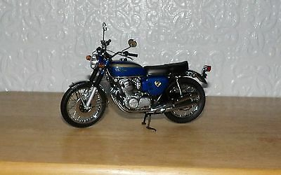 Superbly Detailed Minichamps 1.12 scale Honda CB 1968 750 Model Bike # 85 Blue