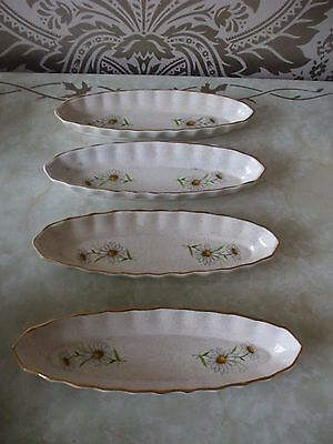 Kernewek Pottery Daisy Design Set of 4 Corn on the cob or bread Dishes