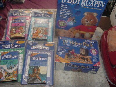 Vintage Teddy Ruxpin in box,Eyes/Mouth moves.Boxed accessories!