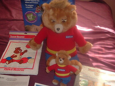 World of Teddy Ruxpin w/Box,Eyes/Mouth move,Book,Cassette,Beanie Baby,Outfit!