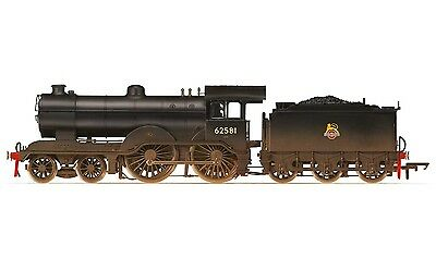 Hornby R3303 - Ex LNER D16/3 4-4-0, 62581 BR (Early Crest Weathered)   New (00)