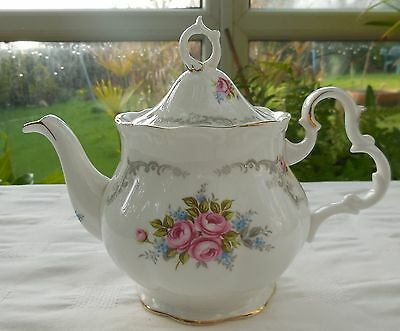 Royal Albert Tranquility Small 3/4 Pint Teapot