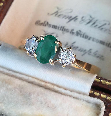 Beautiful 18ct, 18k, 750 Gold Emerald & diamond 3 stone Engagement ring