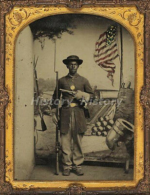 CIVIL WAR PHOTOGRAPH Unidentified African American Union soldier