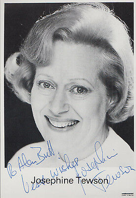 Josephine Tewson Keeping Up Appearances Hand Signed Photo
