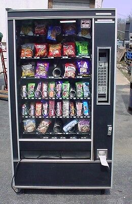 Automatic Products Snack & Candy Vending Machine 7600