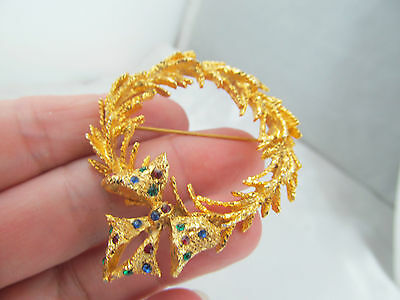 Vintage GOLD & RHINESTONE DIMENSIONAL WREATH PIN BROOCH, Red, Green & Blue