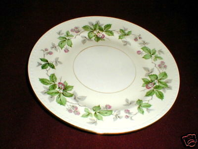 "Homer Laughlin Eggshell Georgian GREENBRIAR  9"" Luncheon Plate/s (loc-B18)"