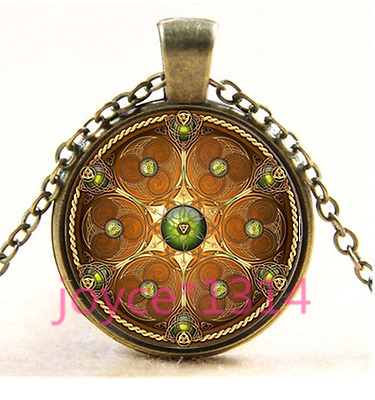 Vintage Celtic Shield Cabochon bronze Glass Chain Pendant Necklace TS-3681