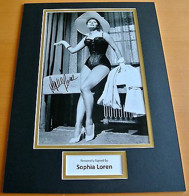 SOPHIA LOREN hand SIGNED autograph 16x12 photo mount display Hollywood Film COA