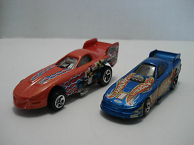 Hot Wheels Lot Of 2 Different Funny Cars Scale:1:64