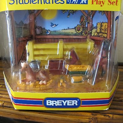 """BREYER Stablemates """"NEW ARRIVAL"""" Horse Play Set #5306 NEW IN BOX w/carry handle"""