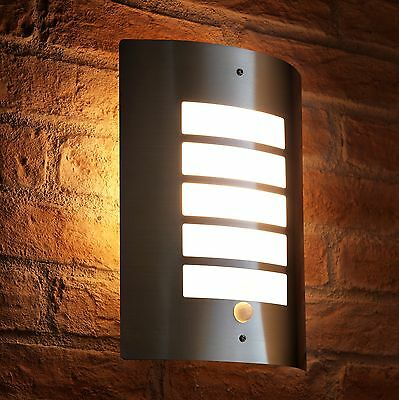 Auraglow LED Energy Saving Motion Activated PIR Sensor Outdoor Security Wall Lig