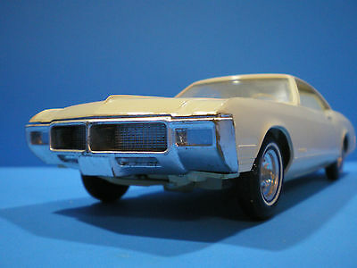 1968 Buick Riviera original Promo in ivory by AMT very nice