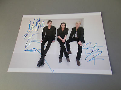 Placebo signed signiert autograph Autogramm auf 20x28 Foto in person