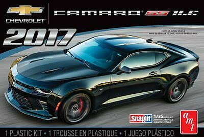 2017 Chevy Camaro SS 1LE  Snap Kit 1/25 scale skill 1 AMT model kit#1032