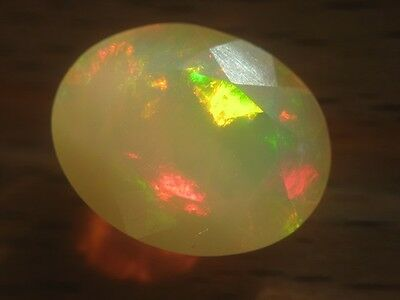WELO OPAL  -  OVAL FACET  -  11x8,7 mm  -  1,87 ct.
