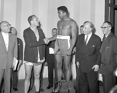 """Henry Cooper and Muhammad Ali 10"""" x 8"""" Photograph"""